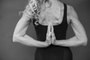 kvinna_yoga_sv